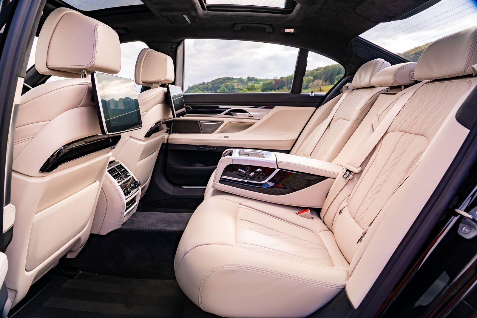 BMW 7 Series 2019 RHD rear seats