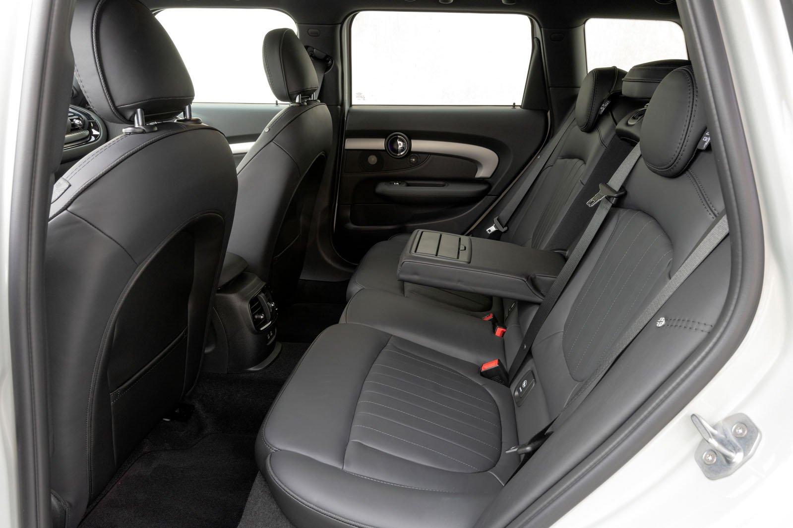 Mini Clubman JCW 2019 LHD rear seats