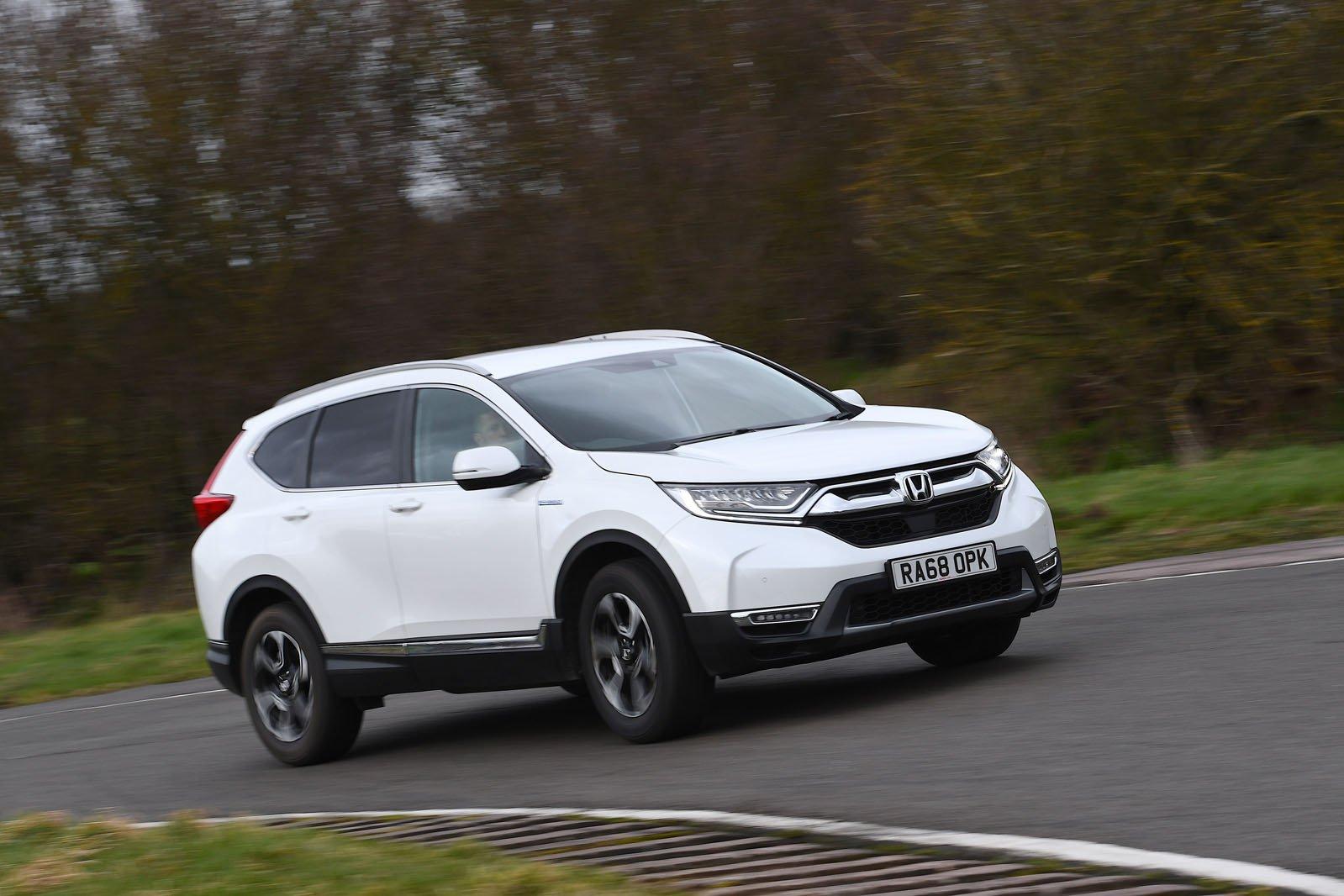 Honda CR-V 2019 front right tracking