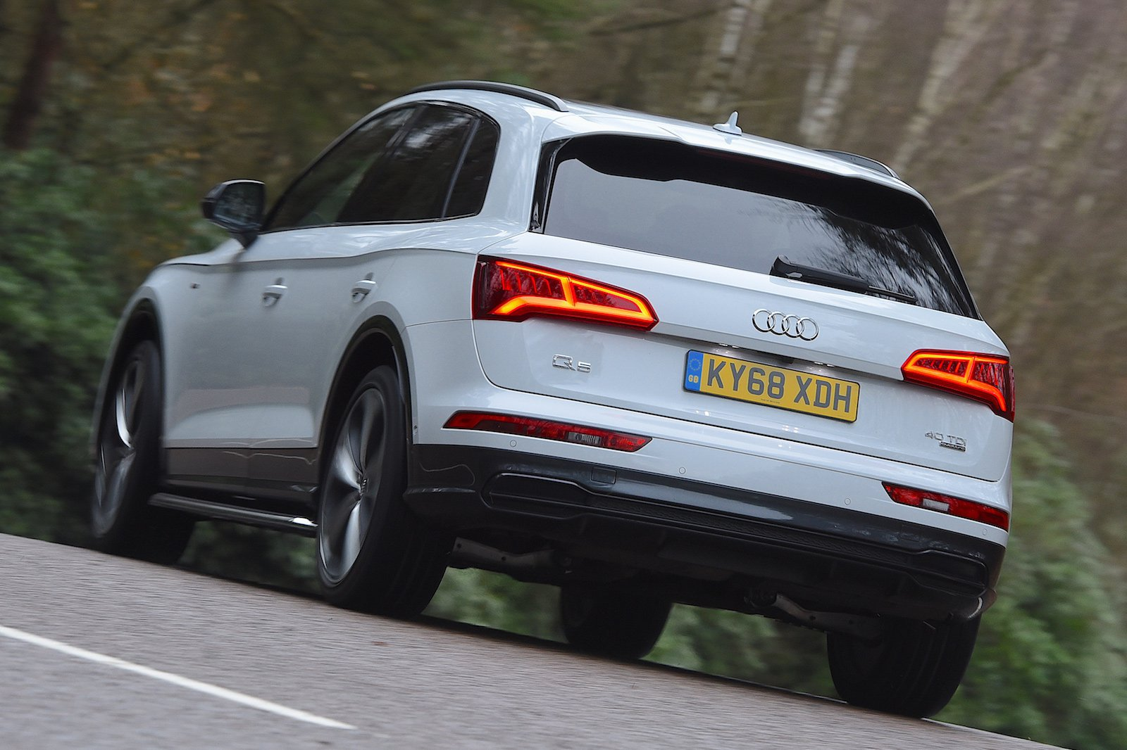 Audi Q5 2019 rear cornering shot