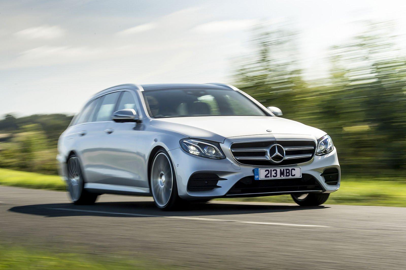 Mercedes-Benz E-Class 2019 UK front cornering