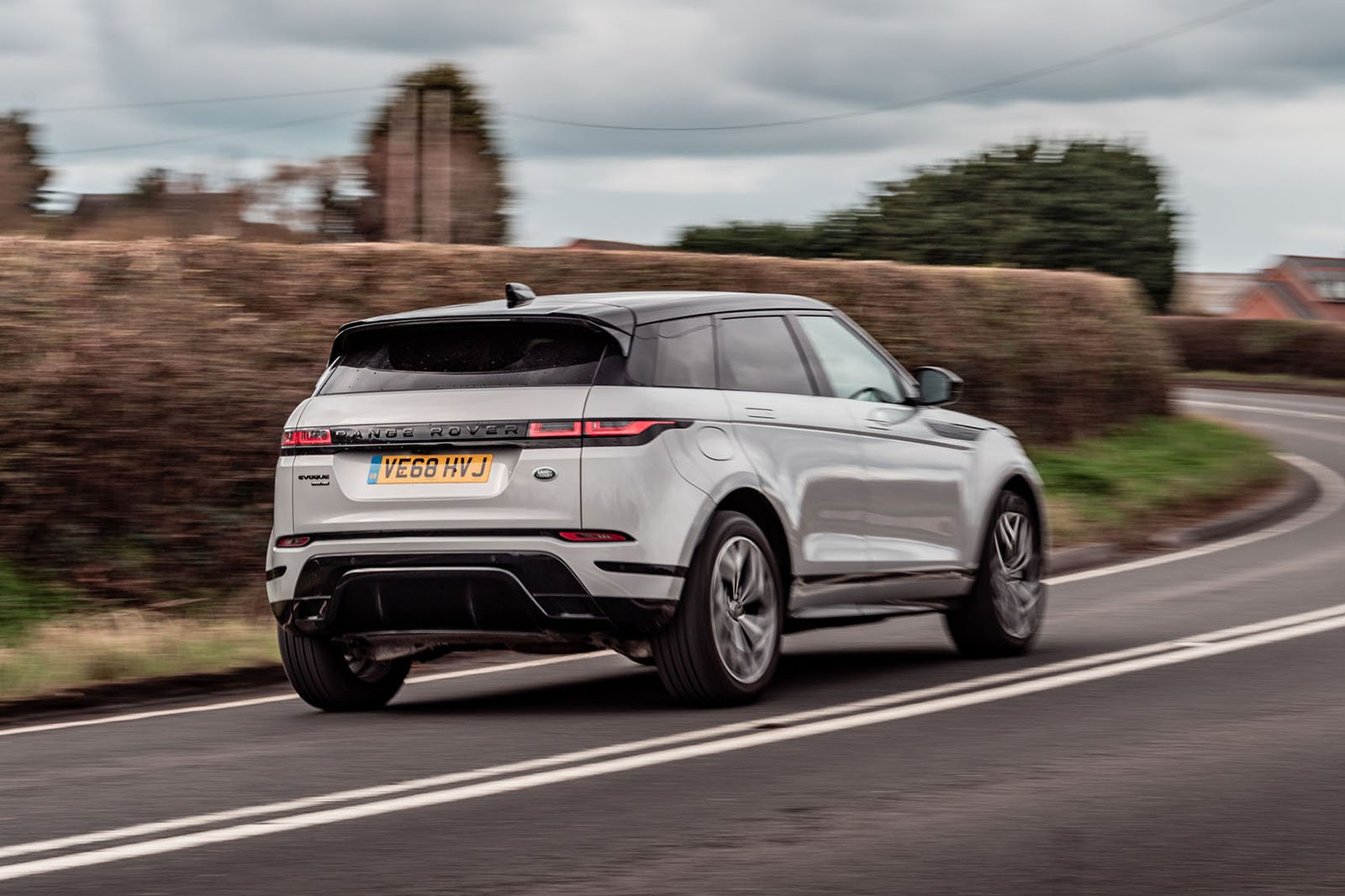 Range Rover Evoque 2019 rear right tracking