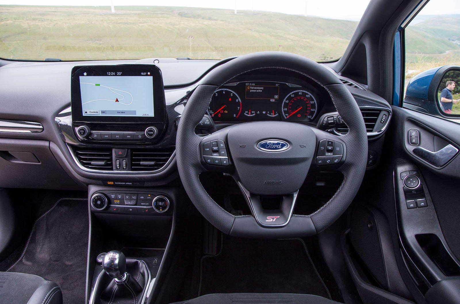 Ford Fiesta ST 2021 dashboard