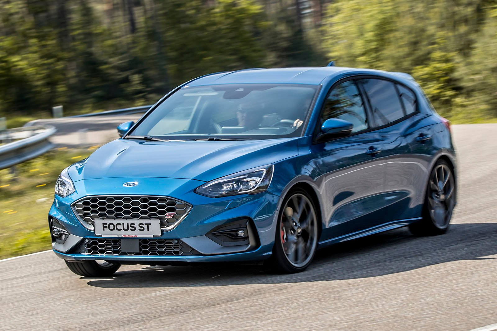 Ford Focus ST 2019 LHD launch car front cornering shot