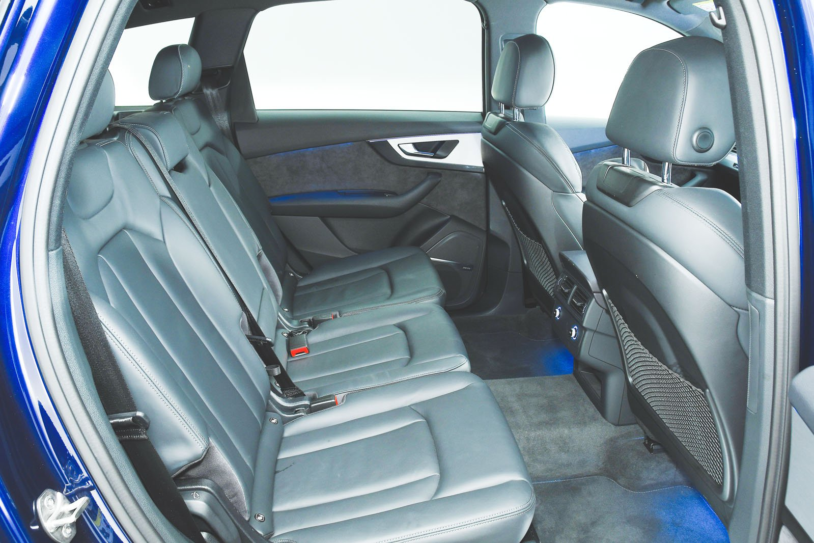 Audi Q7 front seats