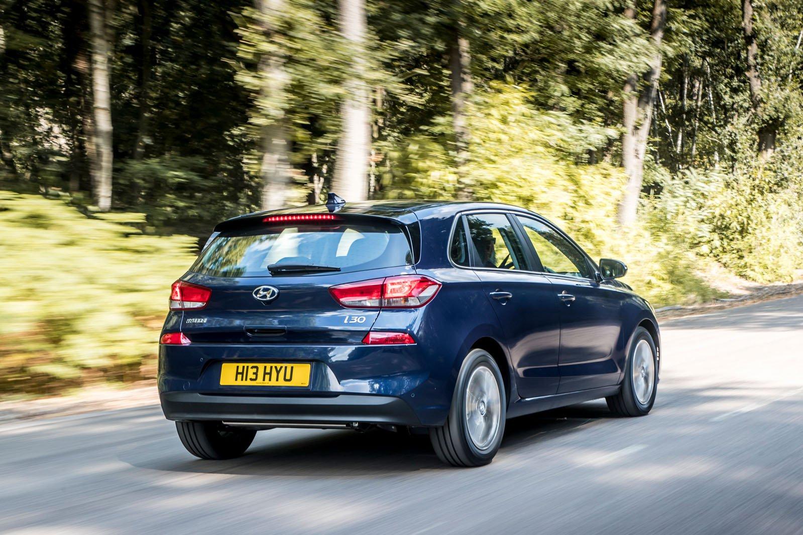 Hyundai i30 2019 RHD rear cornering shot