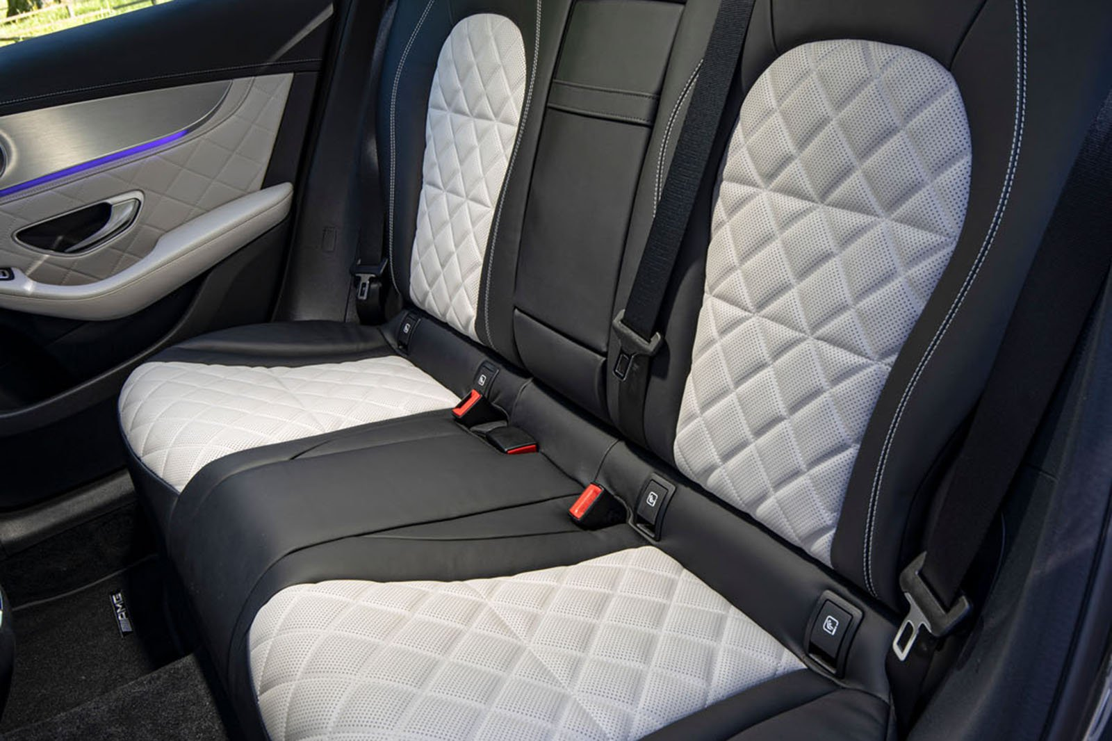 Mercedes GLC 2019 facelift rear seats