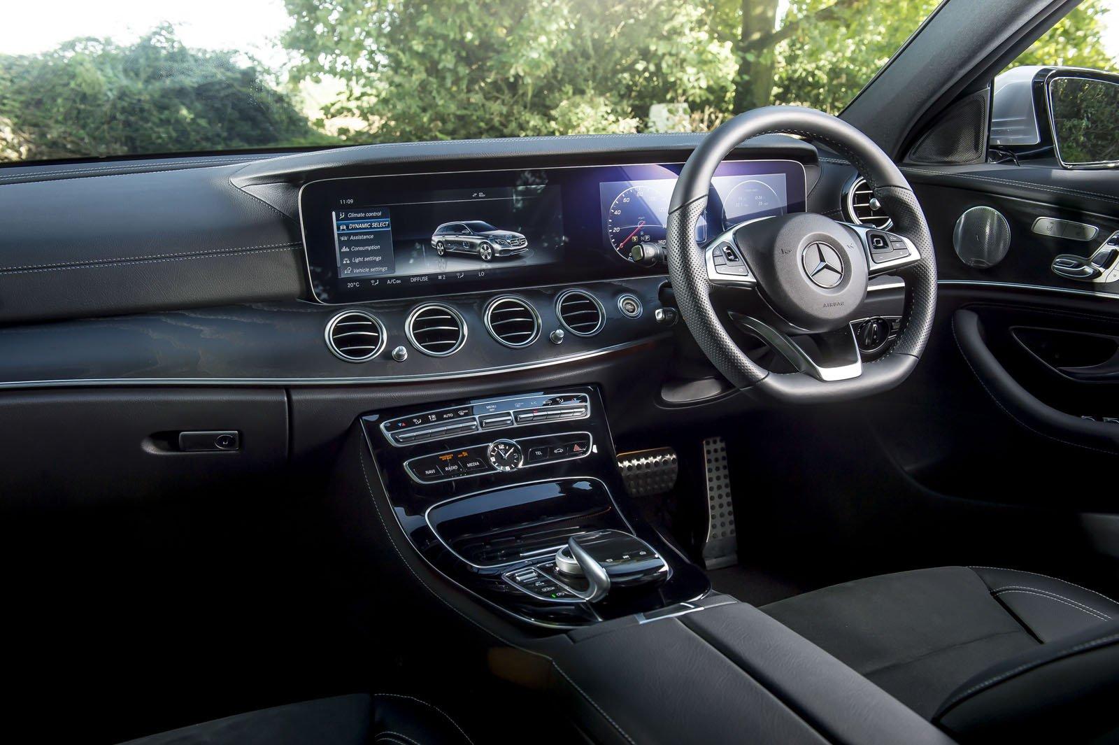 Mercedes-Benz E-Class Estate RHD dashboard