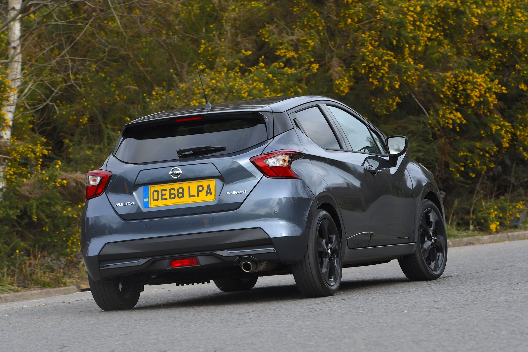 Nissan Micra 2019 rear right tracking