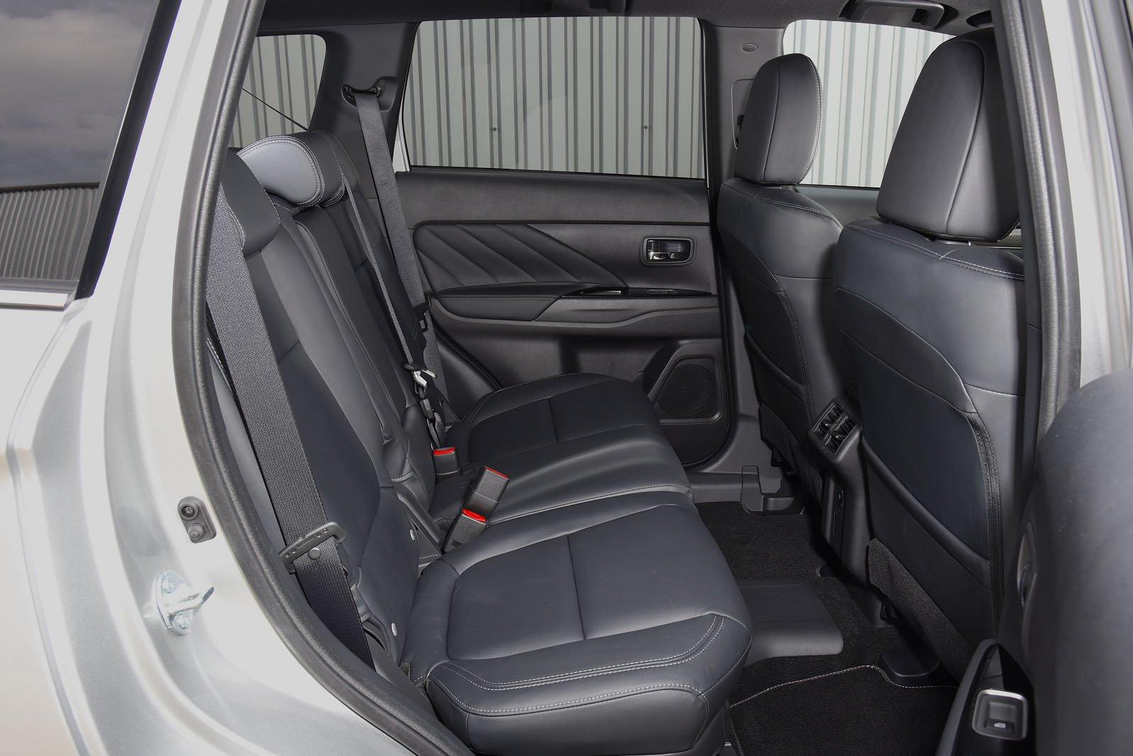 Mitsubishi Outlander RHD rear seats