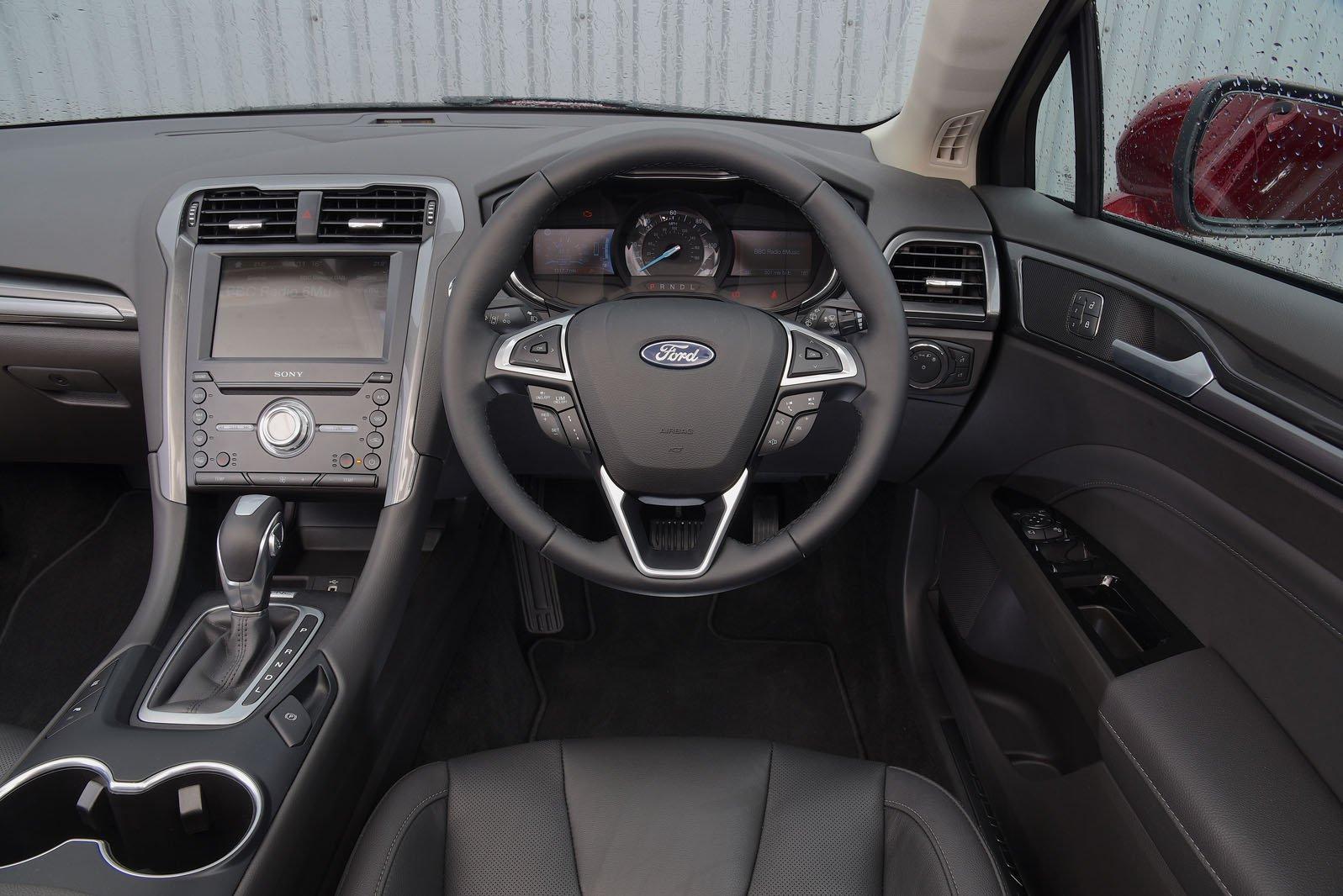 Ford Mondeo Estate 2019 RHD dashboard