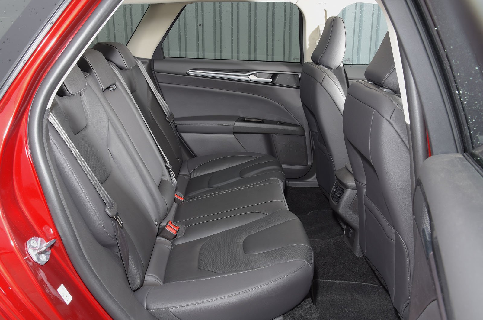 Ford Mondeo Estate 2019 RHD rear seats