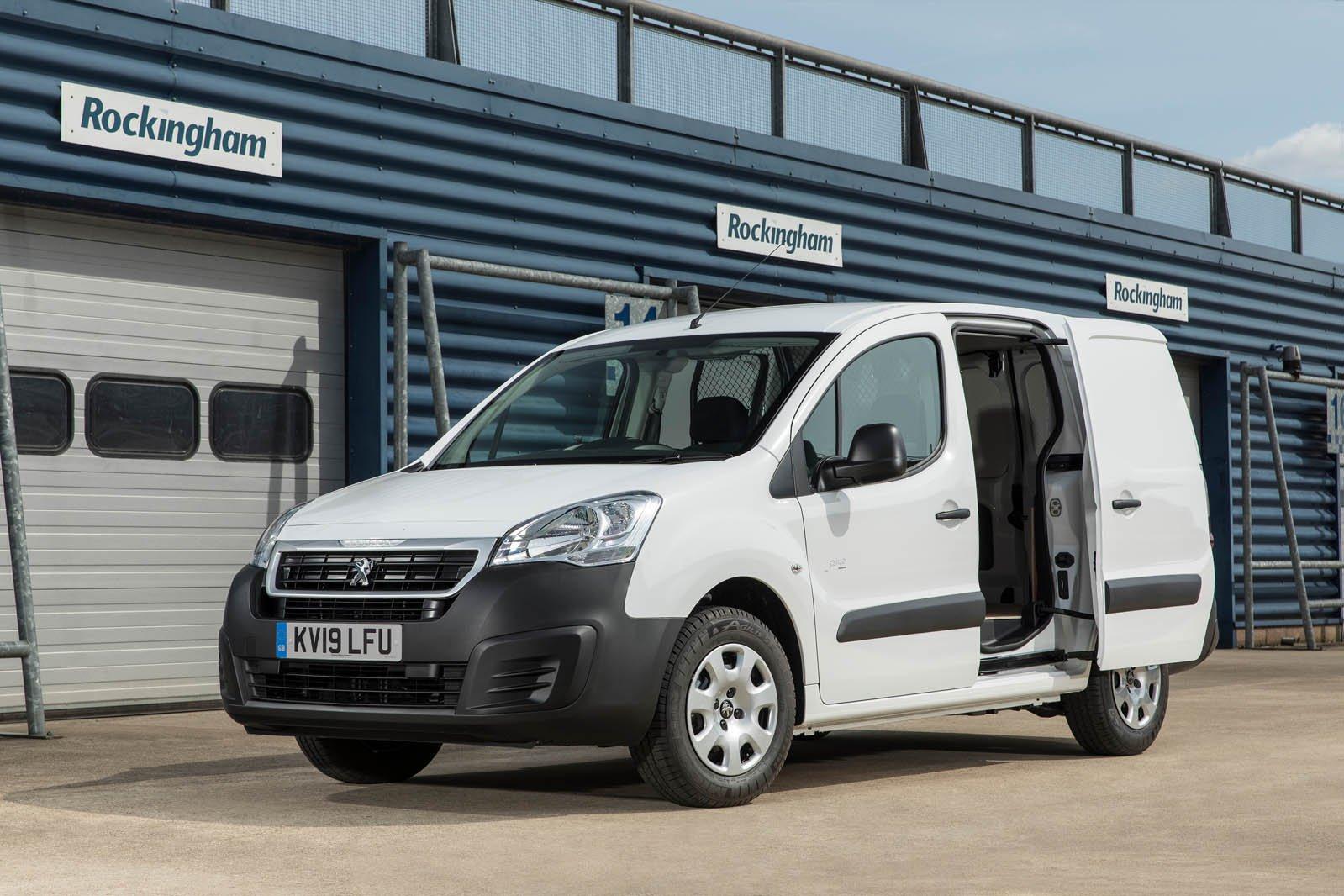 Peugeot Partner Electric 2019 front, side door open