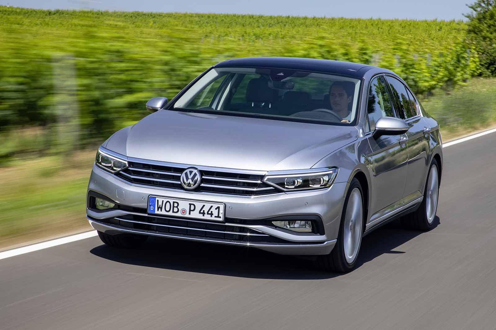 Volkswagen Passat Saloon 2019 front tracking