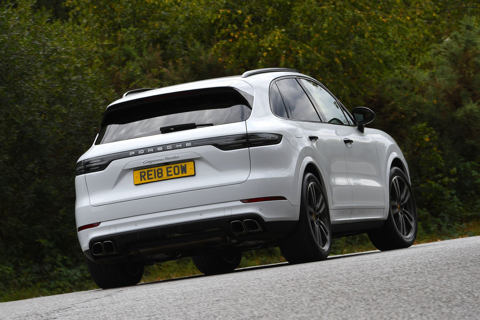 Porsche Cayenne 2018 rear cornering shot
