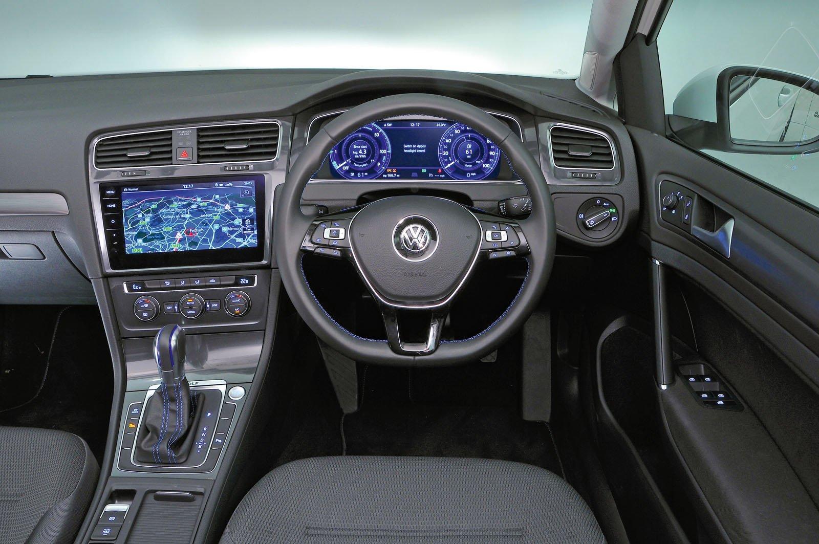 Volkswagen e-Golf 2017 RHD dashboard