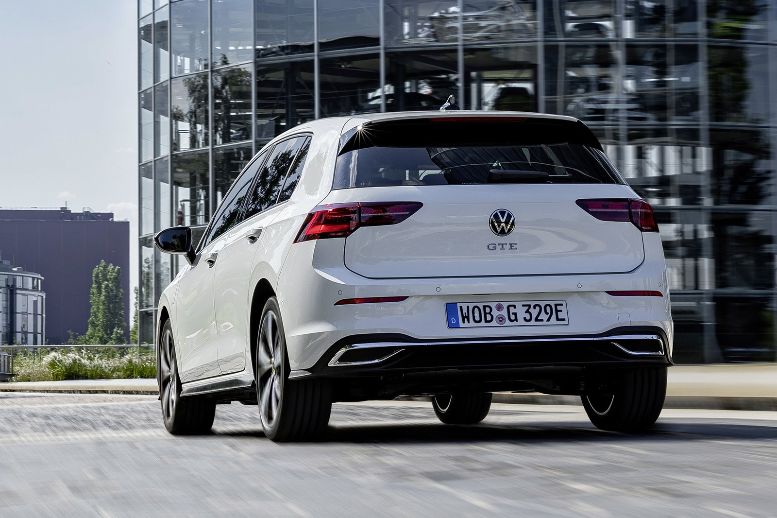 Volkswagen GTE 2020 rear tracking